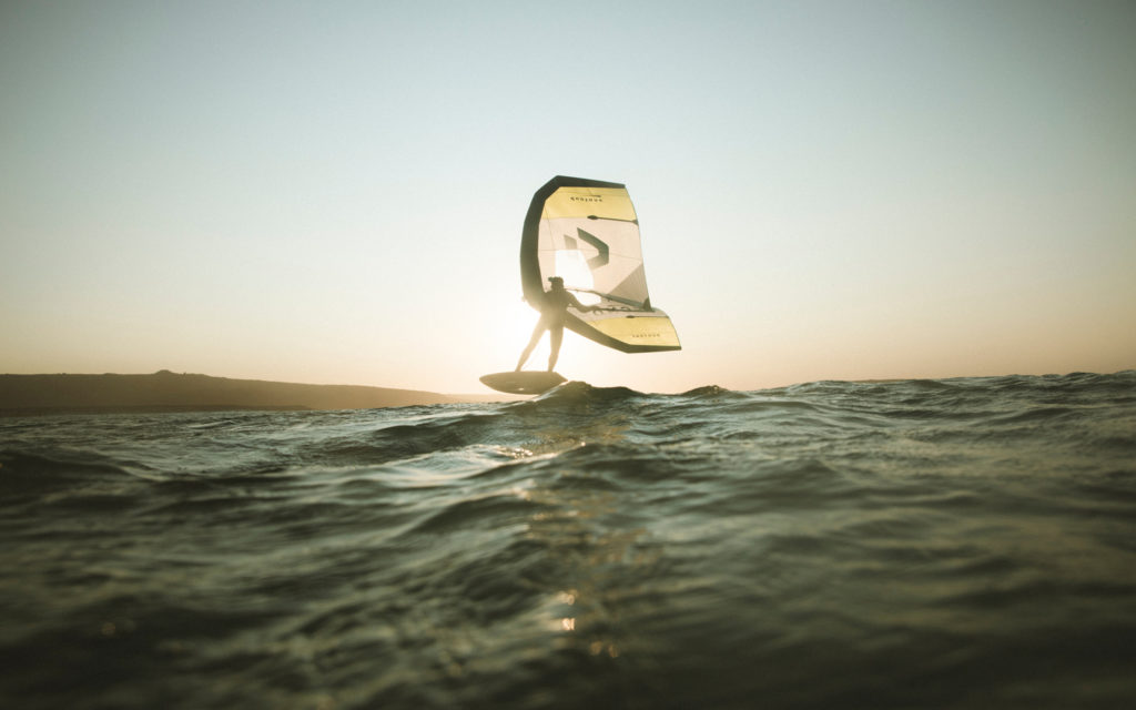 Duotone Echo Foil Kite Wings in water with Hydrofoill